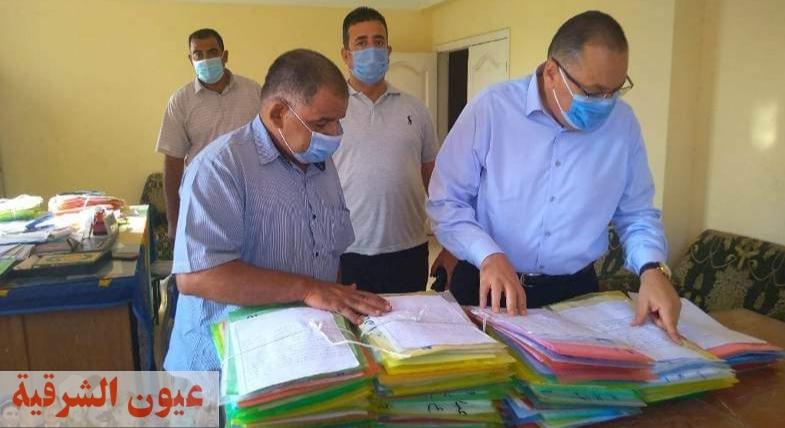 محافظ الشرقية يُفاجيء قرية الزوامل ببلبيس..ويُحيل 64 من العاملين بالوحدتين المحلية والصحية للتحقيق