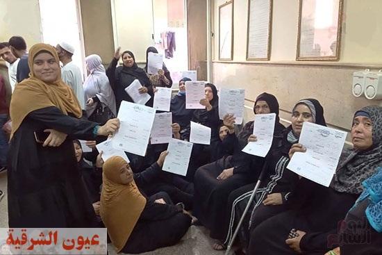 القومى للمرأة بالشرقية يستخرج  بطاقة رقم قومى مجانا للسيدات والفتيات