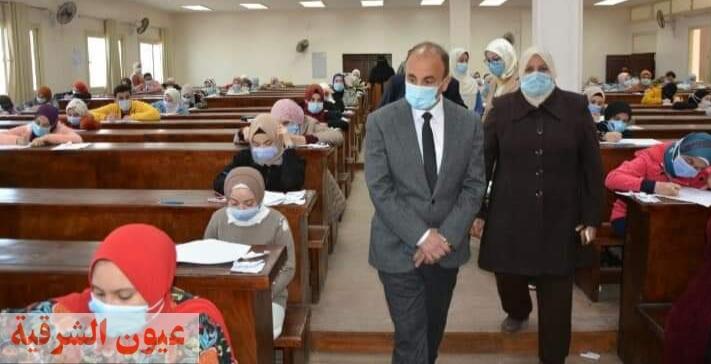 رئيس جامعة الزقازيق يتفقد سير أعمال إمتحانات الفصل الدراسي الأول بكلية التمريض ويشدد على الإجراءات الإحترازية