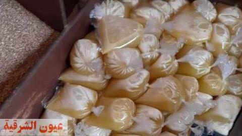 ضبط نصف طن سكر و٥٠ لتر زيت مجهول المصدر في حملات تموينية بالعاشر من رمضان