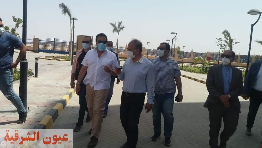 وزير التعليم العالي ورئيس جامعة الزقازيق يتفقدان مستشفى العاشر من رمضان الجامعي