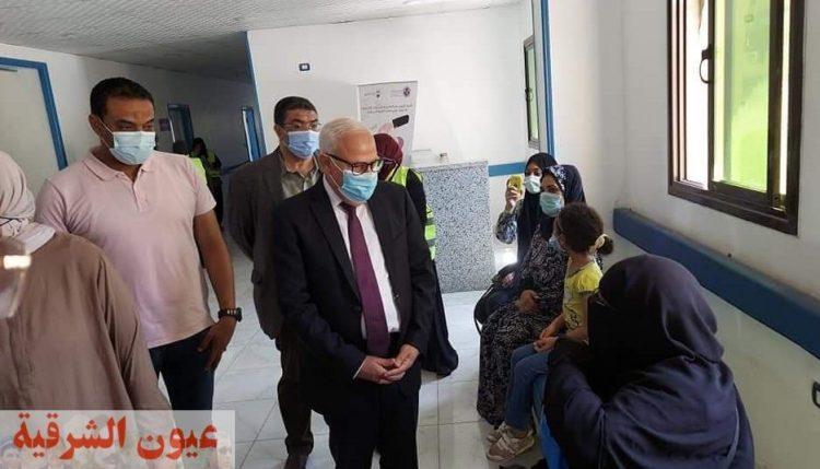 محافظ بورسعيد يتفقد فعاليات القافلة الطبية لعلاج أمراض العيون