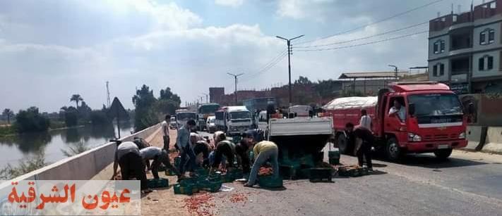 مصرع 3 أشخاص وإصابة 13 في حادثين بالشرقية