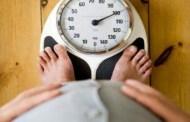 هل تعلم لماذا يزيد وزنك بعد الارتباط أو الزواج ؟ العلم يجيب