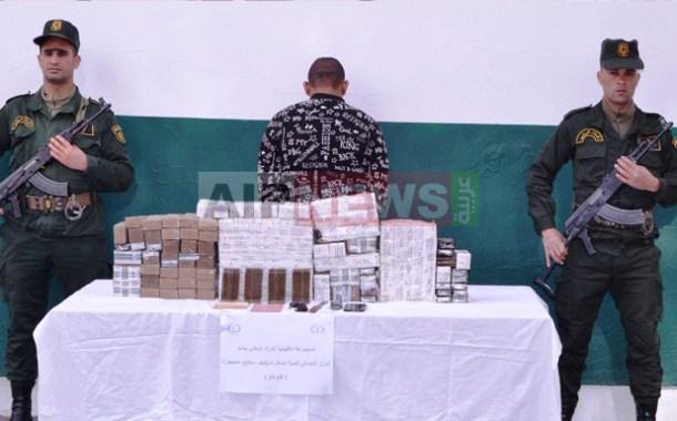 الدرك الوطني ببشار يوقف تاجر مخدرات وبحوزته 68 كيلوغرام من الكيف المعالج .