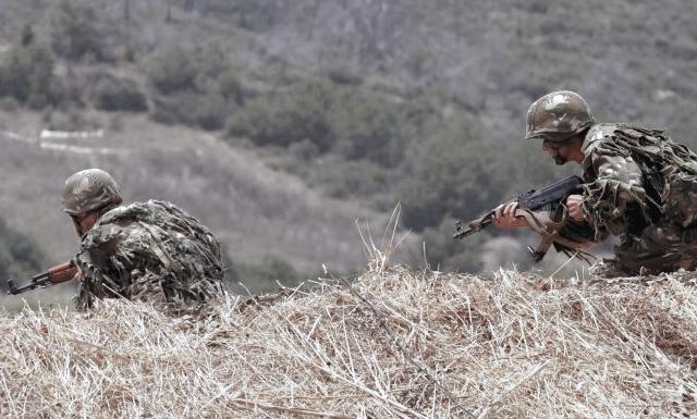 القضاء على إرهابي واسترجاع مسدس رشاش من نوع كلاشنكوف بمنطقة الزرايب بالقرب من إعكورن بعزازقة، ولاية تيزي وزو