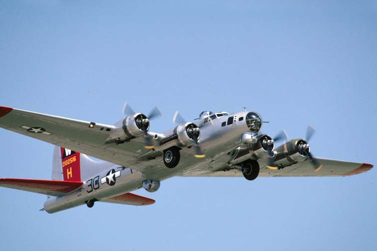 The EAAs Aluminum Overcast B-17 visited Leesburg Airport on Aug. 29, 2009