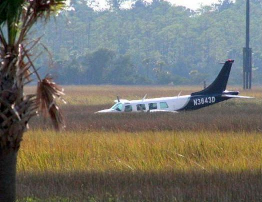 airboat removes leaking plane
