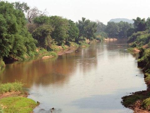 Luvuvhu River - bridge