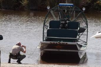 Airboat Collision 03