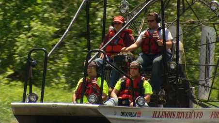Members of the Illinois River Fire Department train to save lives on the river.