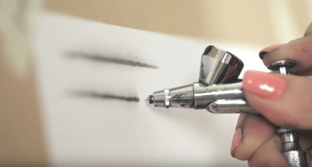 Airbrushing lines