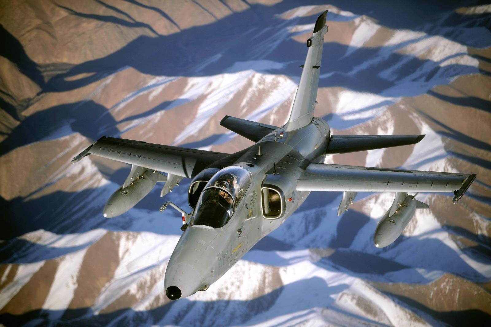 https://i1.wp.com/www.aircraftinformation.info/Images/AMX_04.jpg
