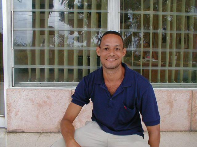 aircube project 16 - LEONARDO RUBIO BRIDON, Santiago de Cuba/CU, 2003