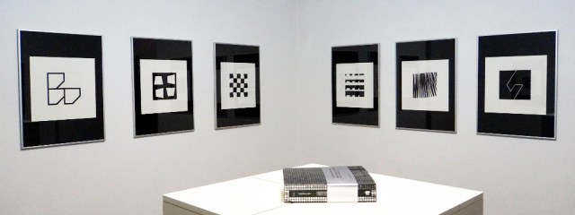 ABSOLUTELY BLACK AND WHITE - edited by GETULIO  ALVIANI and MGLC Ljubljana - silk print/paper - 40 x 40cm - 17/60 - 2005 - 14 artists - EDOARDO LANDI - FRANCOIS MORELLET - RYSZARD WINIARSKI - PETER LOWE - ANDREAS CHRISTEN - ANTHONY HILL -