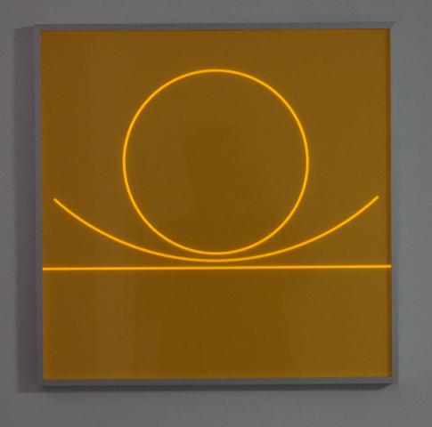 HELLMUT BRUCH - Von der Geraden zum Kreis  - oranges  fluoreszierendes acrylglas - 50x50x0,3cm - P/T