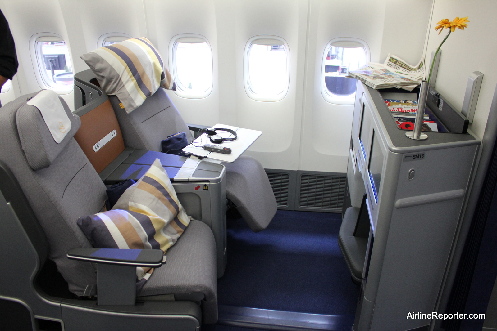 Flying On The Inaugural Boeing 747 8 Intercontinental