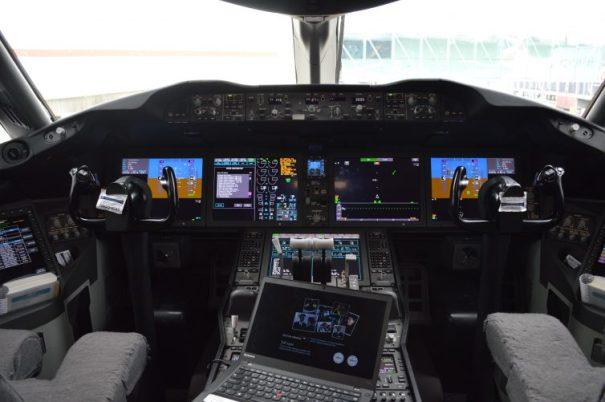 BA787 flight deck - photo: Alastair Long | AirlineReporter