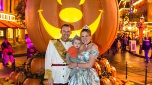 Trick or Treat in Disneyland (Halloween)