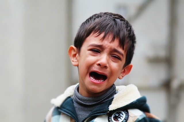 votre enfant triste pleure