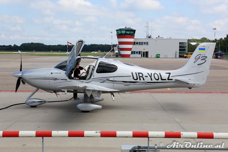 UR-YOLZ Cirrus SR22-GTS G3