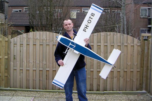 Roel met zijn RC Model PH-OTB Pilatus PC-6 Porter