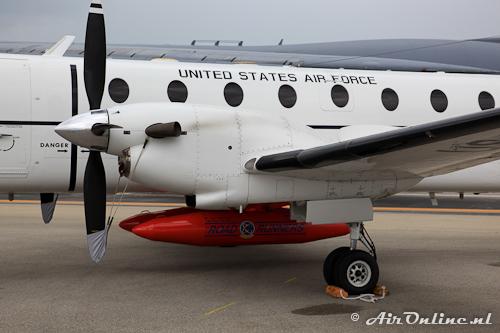 86-0080 Beech C-21J Huron (Beech 1900C-1) met twee ophangpunten