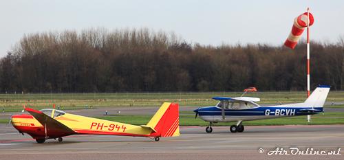 PH-944 Scheibe SF-25C Falke, G-BCVH Reims-Cessna FRA150L Aerobat