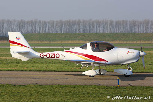 G-OZIO Aquila A210 (AT01)