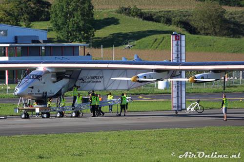 HB-SIB Solar Impulse 2, de versteviging van de romp wordt verwijderd