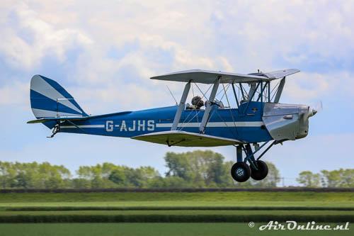 G-AJHS De Havilland DH-82A Tiger Moth II