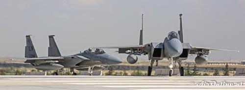 F-15 Eagles op de baan
