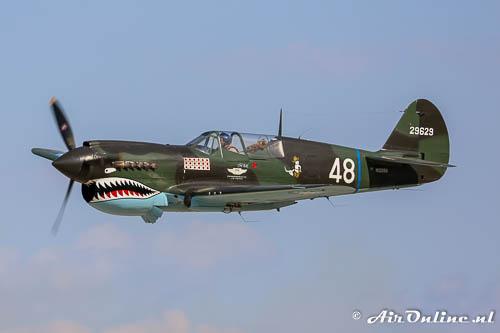 P-40 Warhawk op Oshkosh