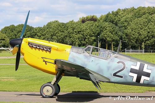 G-AWHK Hispano HA-1112-M1L Buchon met een Rolls Royce motor