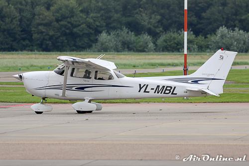 YL-MBL Cessna 172S Skyhawk