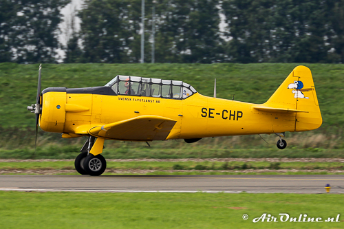 SE-CHP North American AT-6A Texan met Arie Bogaerds Jr. solo