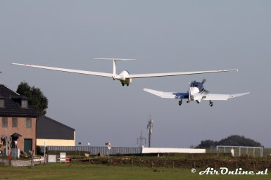 D-EFAC Robin DR400/180R Remorqueur + D-8784 Schleicher ASK 21