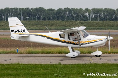 PH-WCK Ultravia Pelican PL
