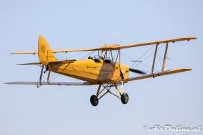 N8233 De Havilland DH.82A Tiger Moth