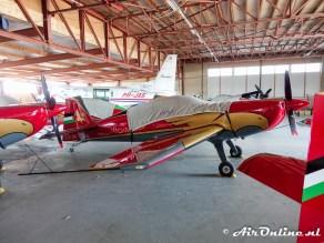 RJF 04 Extra EA-330LX