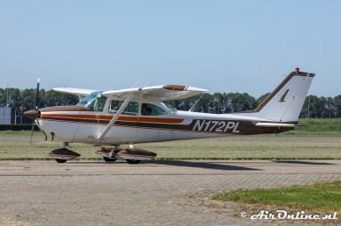 N172PL Cessna 172E Skyhawk