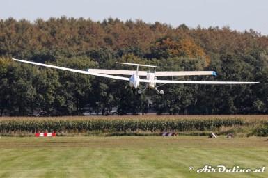 PH-GOZ Aviat A-1 Husky + PH-1432 DG Flugzeugbau DG-1000