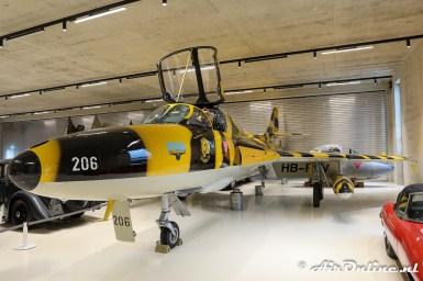 HB-RVV / J-4206 Hawker Hunter T.68