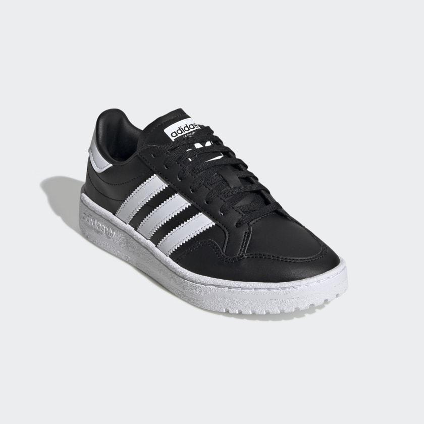 Team_Court_Shoes_Black_EF6810_04_standard