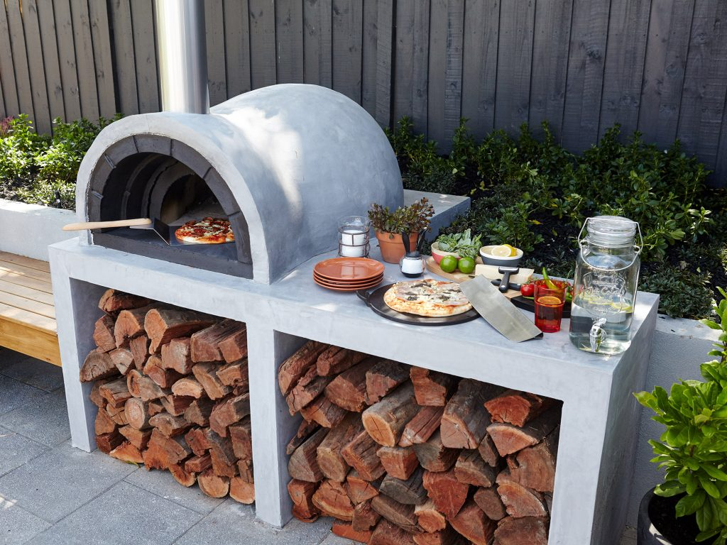 33 Fire pit ideas for your backyard on Outdoor Patio With Pizza Oven  id=63635