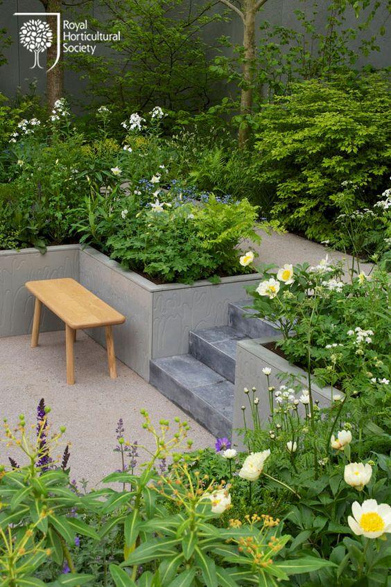 klasik teraslı bahçe