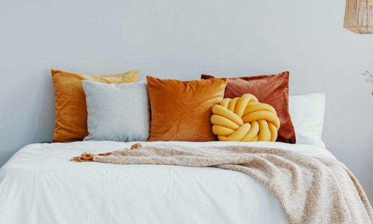 35 Yellow Bedroom Ideas