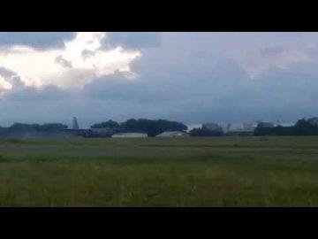 Pesawat C130 14 Skn TUDM Mendarat Tanpa Tayar di Pangkalan Udara Labuan