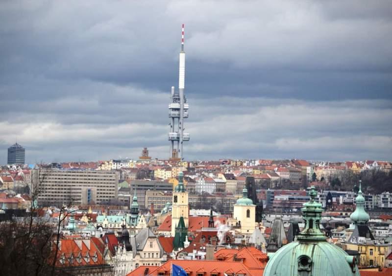 Visiter Prague: La tour télé de Žižkov