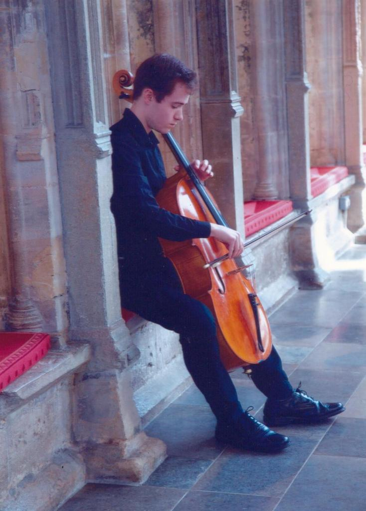 Joe Davies with Robin Aitchison cello